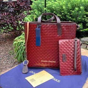 ✨👜✨Beautiful Bourdex Dooney & Bourke Handbag ❣️